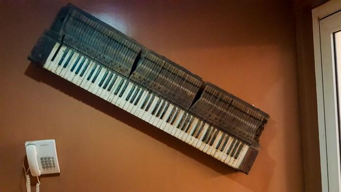 Fela Anikulapo kuti , musical instrument