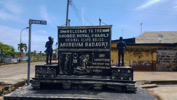 mobee statue museum