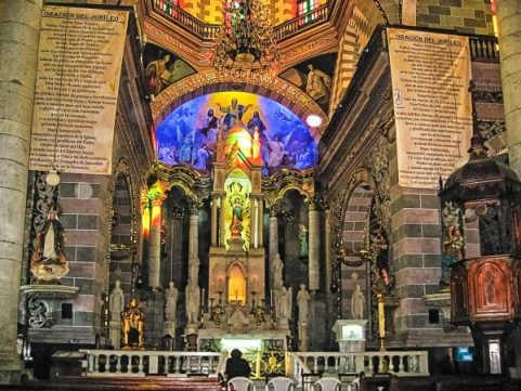 mazatlan-cathedral-inside-mod