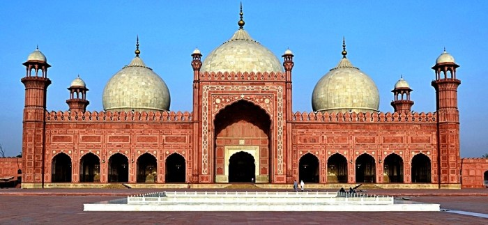 Badshahi-Mosque lahore travel wide flights