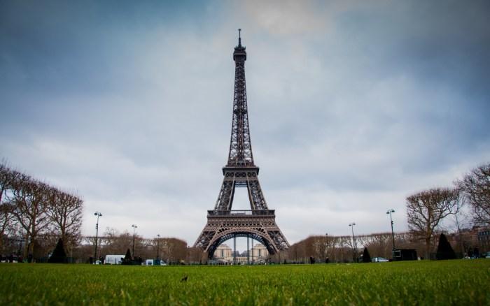 Eifel Tower, Paris Travel Guide, paris Tourism, Top 10 things to do in Paris, Hotels Near Eifel Tower, top 10 things to do in france, top 10 things to do in paris, paris, flights to paris from united kingdom , cheap flights to paris from united kingdom,