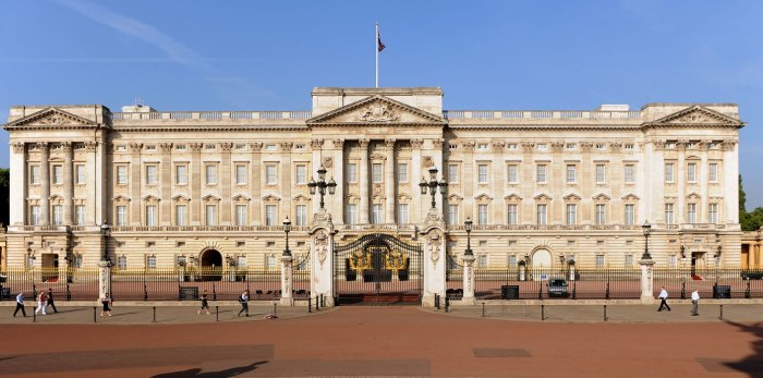 buckingham-palace-Travel-Wide-Flights