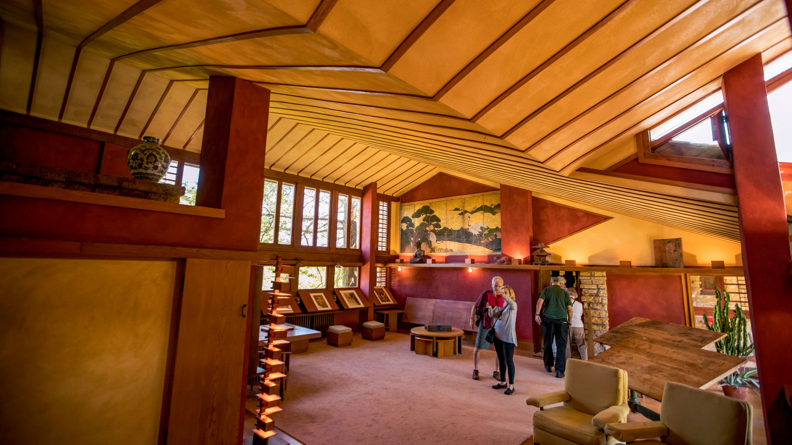 Explore Frank Lloyd Wright Architecture