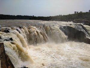 Jabalpur(1N), Khajuraho(2N),Bandhavgarh(2N)