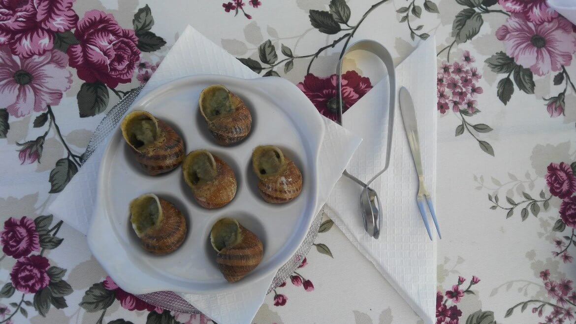 Snails with butter and herbs at Eco-Telus