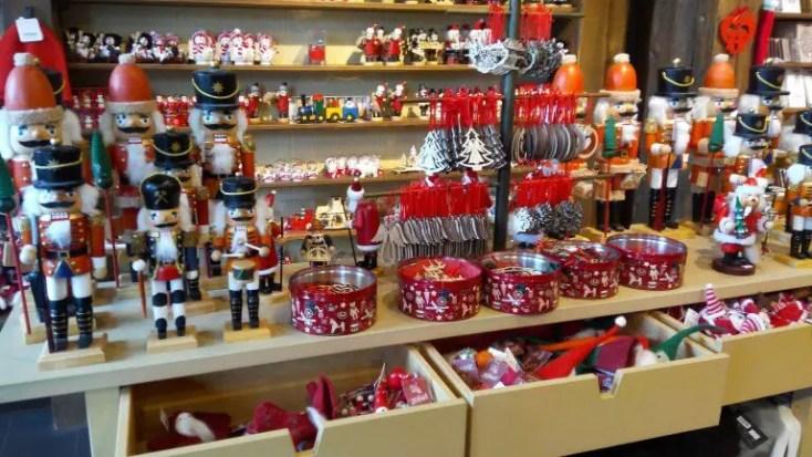 zi în Reykjavik christmas_shop3