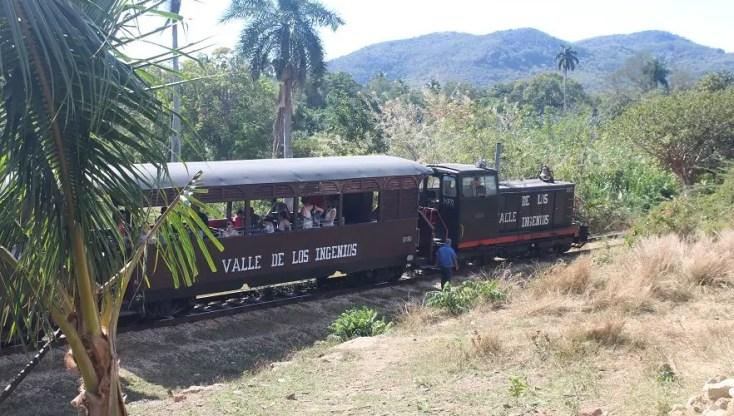 Train in Valle de los Ingenios, Trinidad