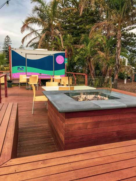 Big4 West Beach Holiday Park - Outdoor gas fire area
