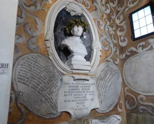 Statua di Teofilo Folengo