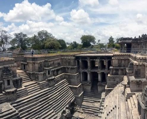 Lakkundi Manikesvara Temple