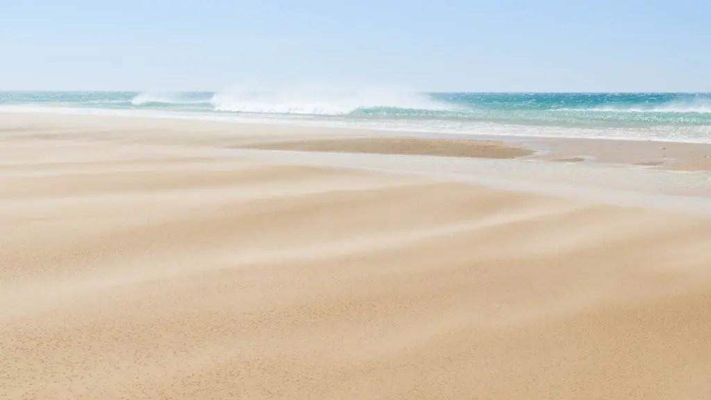 la spiaggia di Tangeri: il nostro addio al Marocco nel nostro viaggio da Marrakech a Tangeri