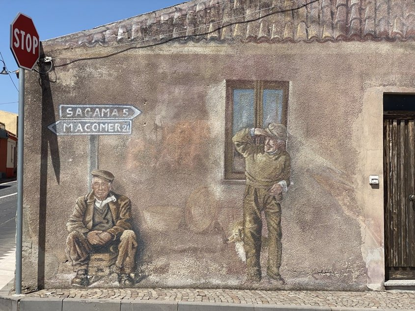 murales a Tinnura