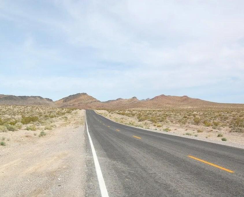 strada deserta americana