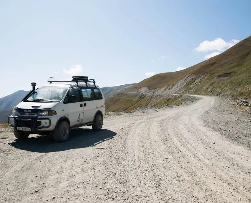 strada sterrata Kirghizistan