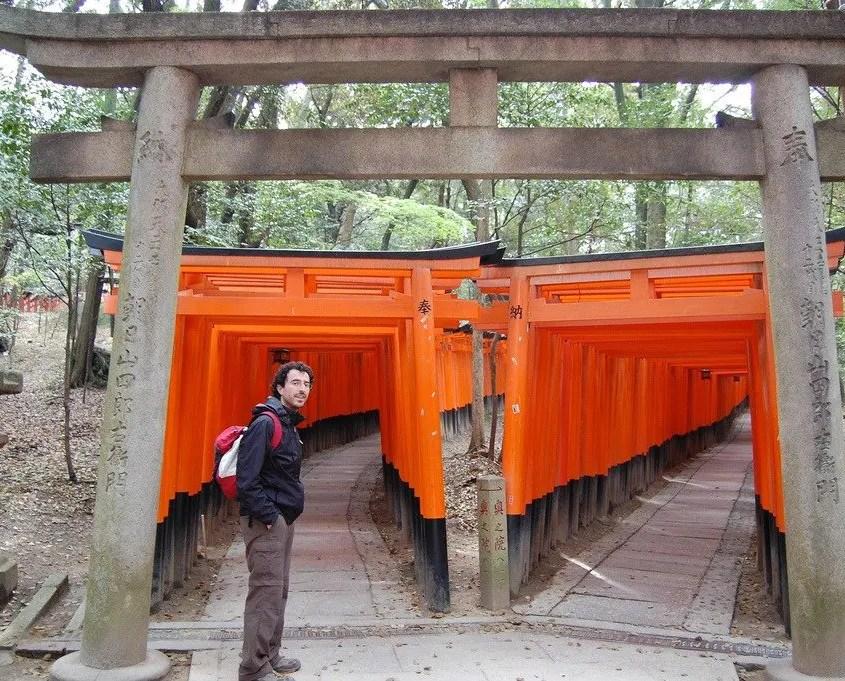 Gabri davanti ai torii