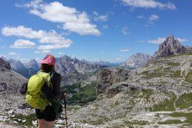 Wandern in den Dolomiten in Südtirol (Ausblick nahe Bullejochhuette)