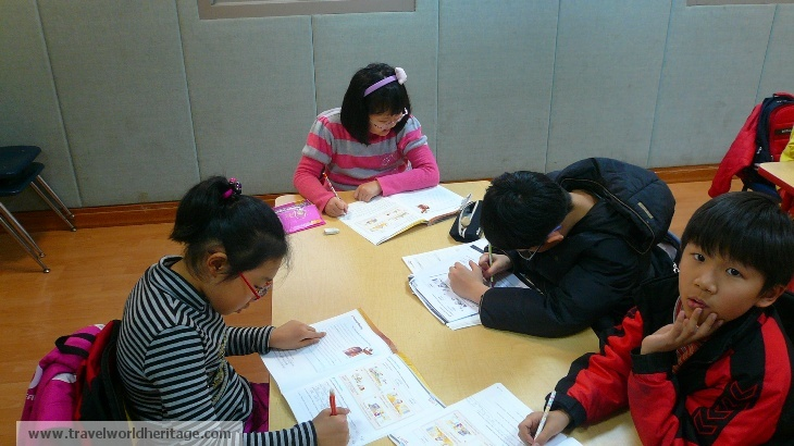 Kids Working Hard - hate about Korea