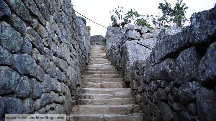 Narrow passageways make it perfect to just wander and make your own route.