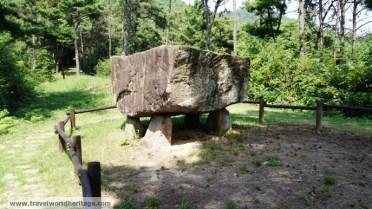 A four column dolmen.