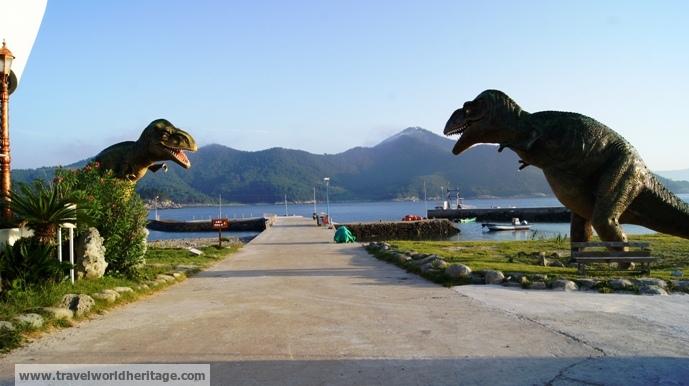 Dinosaurs in Sado