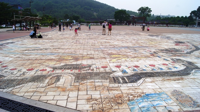 Tile art in Suwon shows the city and its famous wall 200 years ago.
