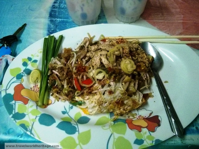Pad Thai - Fun Facts Thailand