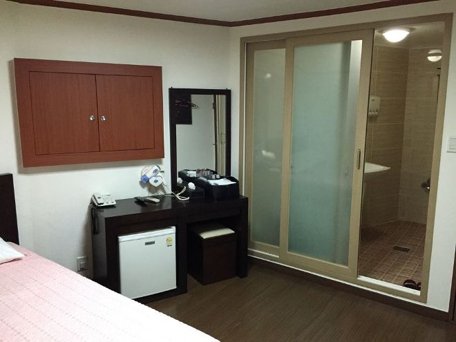 The inside of a 'Love Motel' looks no different than any western motel. Some giveaways are the windows (the wooden doors) which can be completely closed to make the room pitch black.