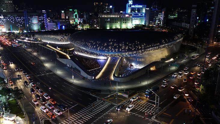 Dongdaemun Design Plaza (DDP) at Night (Credit Ken Eckert)