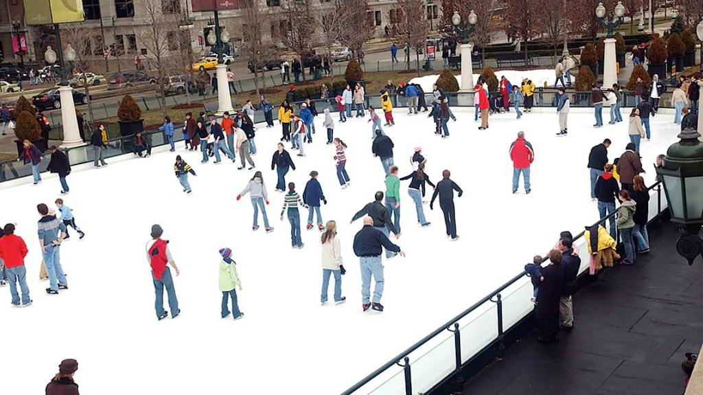 The-McCormick-Tribune-Ice-Rink-offers-free-skating