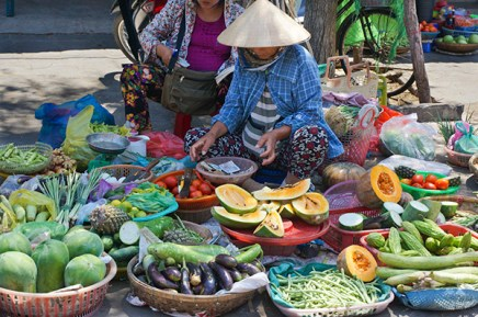 Fruit seller, Hoi An,