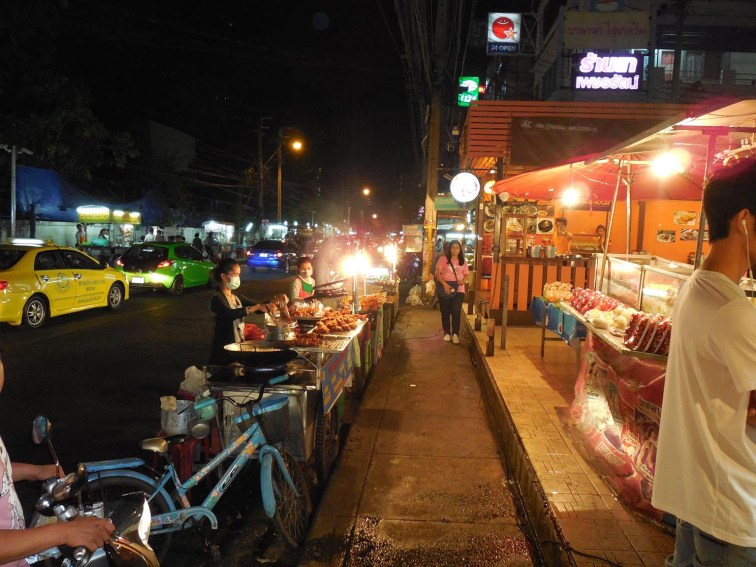 Most every evening street food vendors line Soi 24, the street that runs along the southern edge of the Hua Mak Sports Complex.
