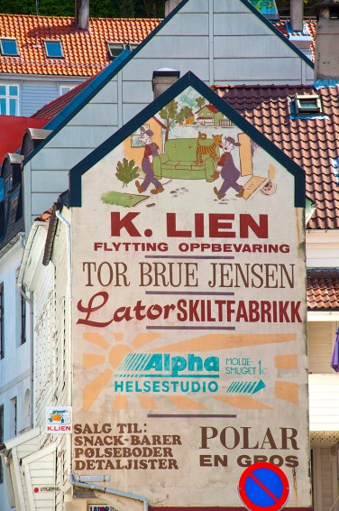 Bergen: Advertising on heritage buildings. Photo credit: Jennifer Crites