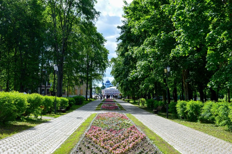 Tree-lined street of 1,000 year old Uglich. Photo credit: Kristin Winet