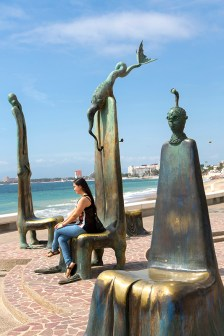 The Rotunda on the Sea by Alejandro Colunga, on the Malecon
