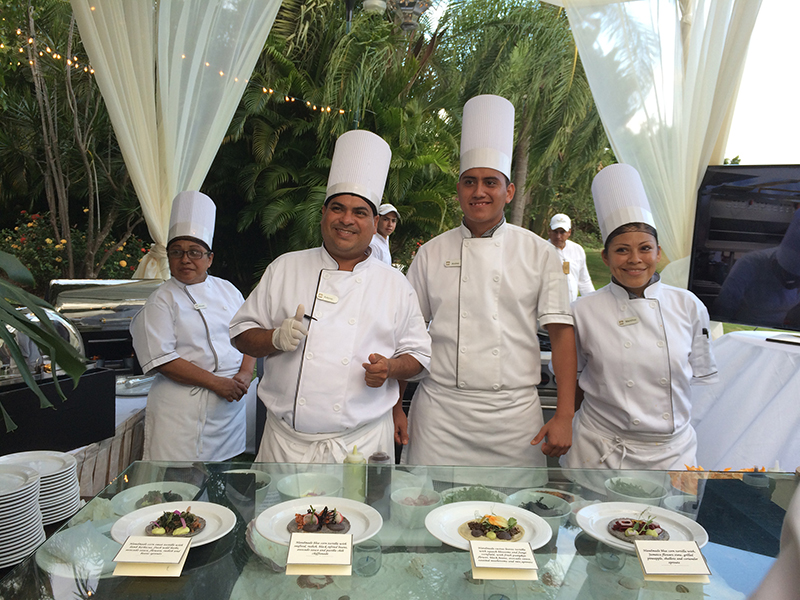 PV-the exceptional crew at Casa Velas