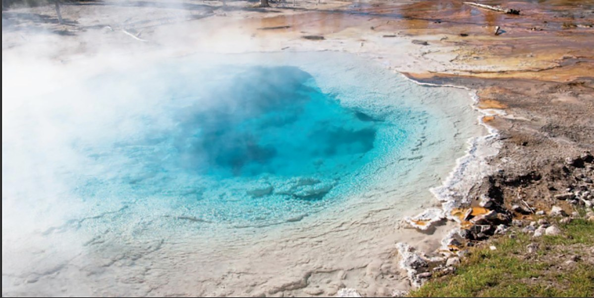 Photography: Yellowstone's Captivating Geothermal Features