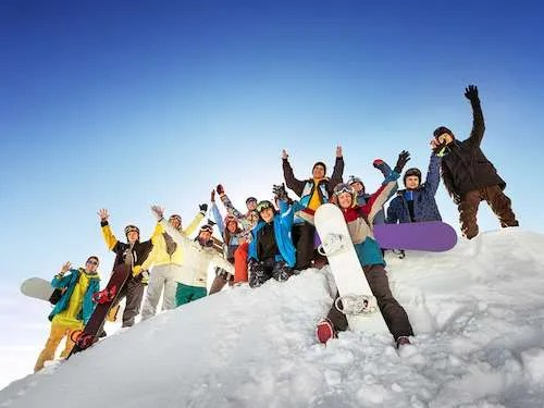 group ski trip with Travendly