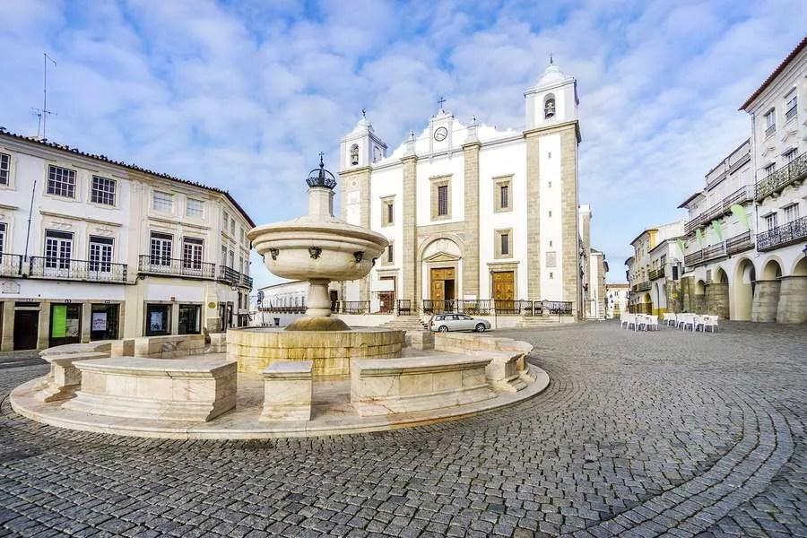 Giraldo Square in Evora Portugal