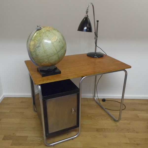 Bauhaus Desk