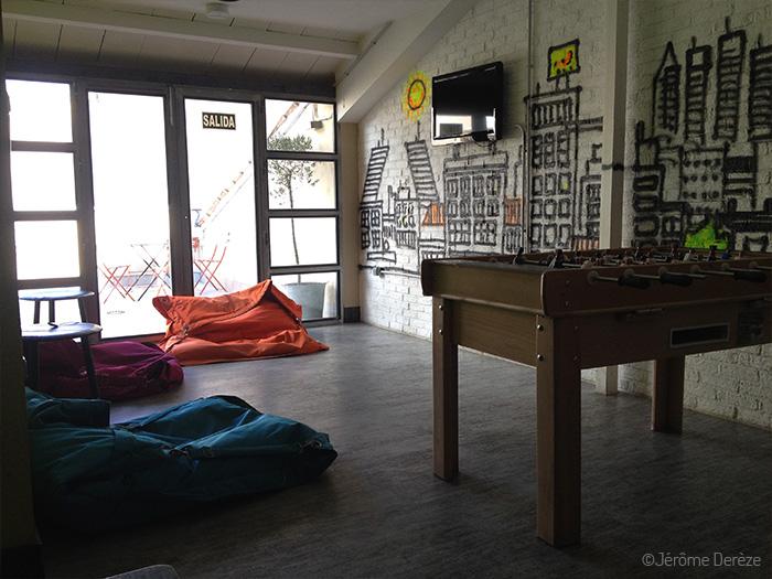 Salle commune d'une auberge à Madrid