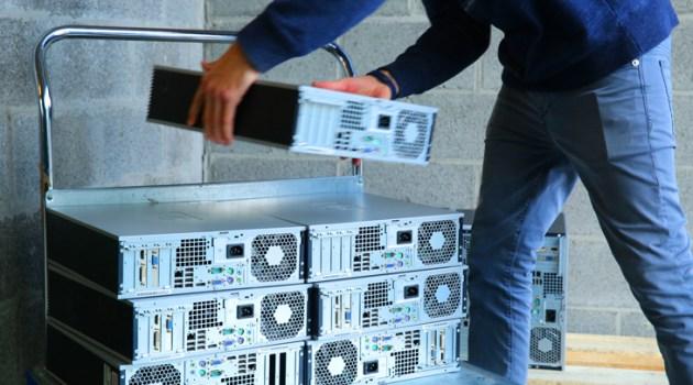TUI schenkt 1.500 computers aan Derde Wereld