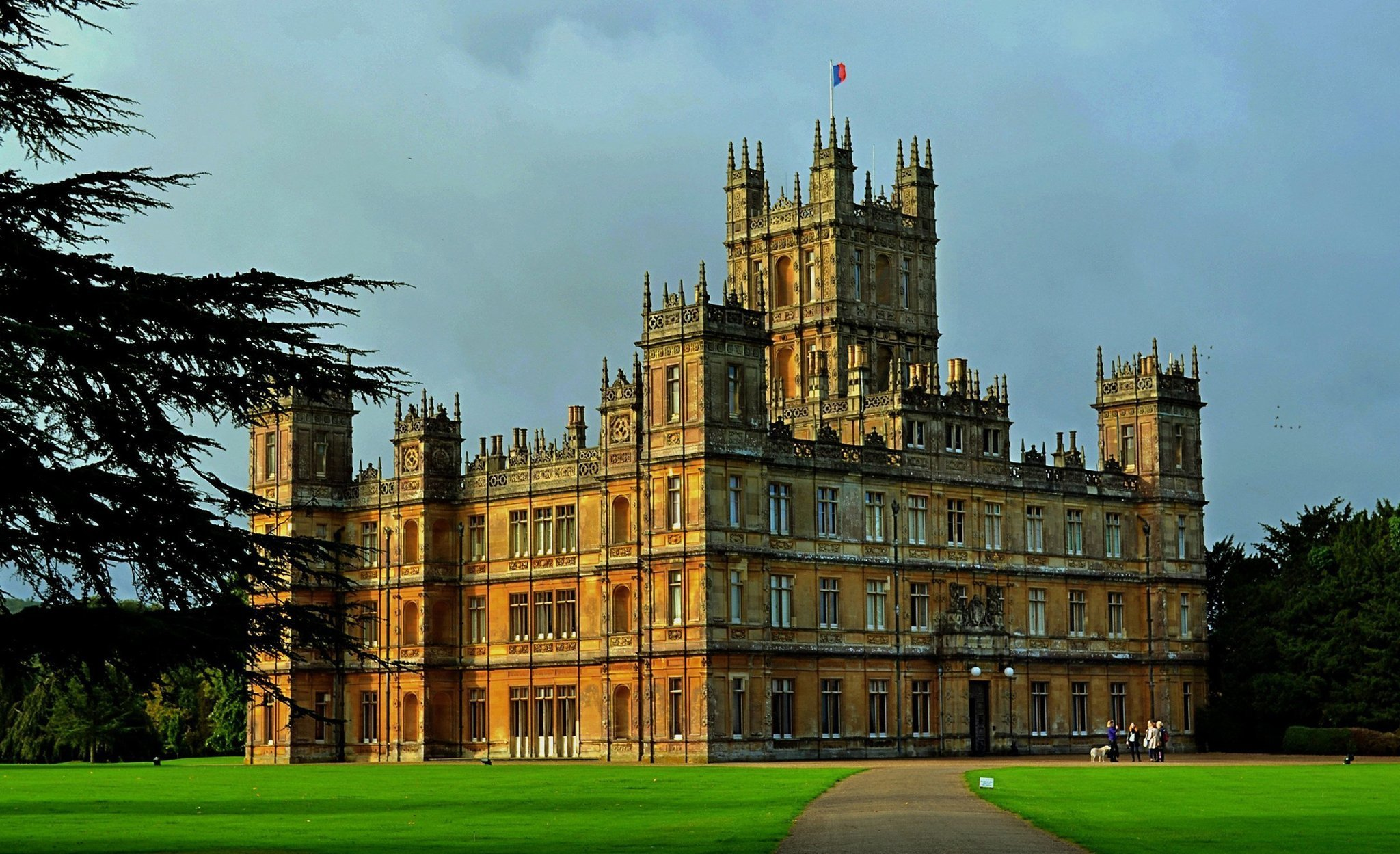 England Downton Abbey Lovers See Tv Show S Estate And