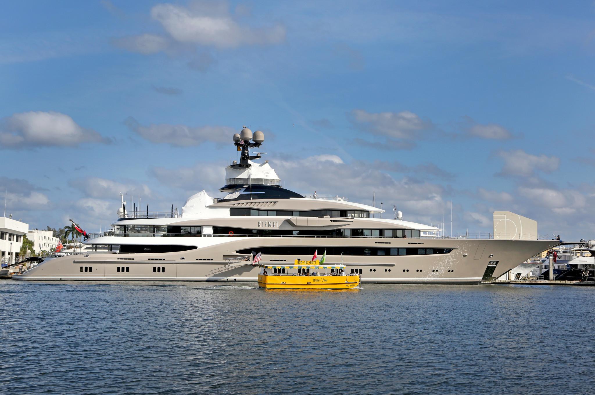Fort Lauderdales Bahia Mar Marina Hosts Its Biggest Yacht