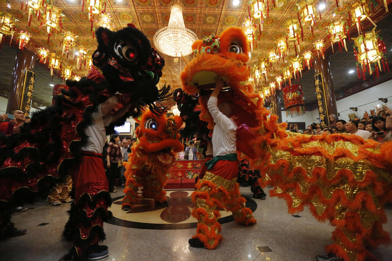 Lunar New Year kicks off at Chinatown temple  Photos by Barbara Davidson  video by Myung J  Chun   Los Angeles Times