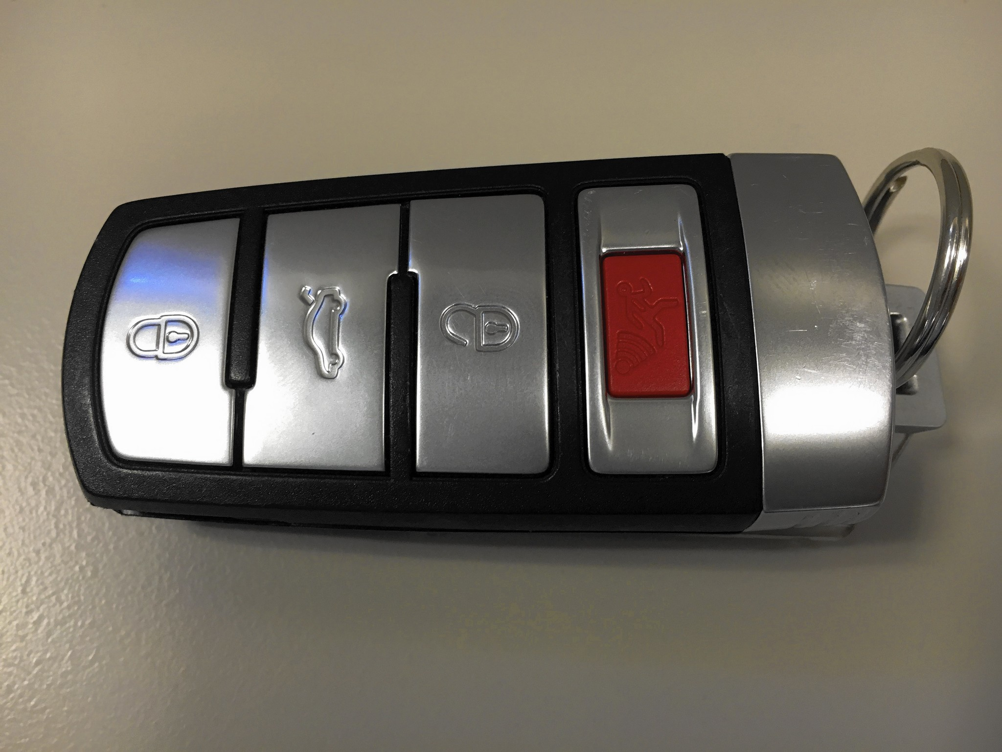 Leaving Key Fob In Car Can Drain Battery Chicago Tribune
