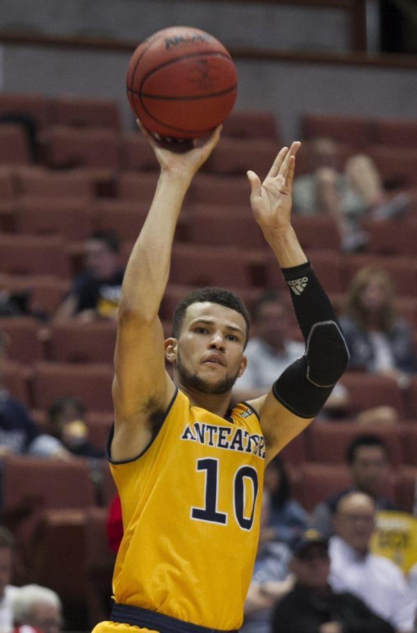 Men's Basketball: Nelson, Martin help UCI advance - Daily ...