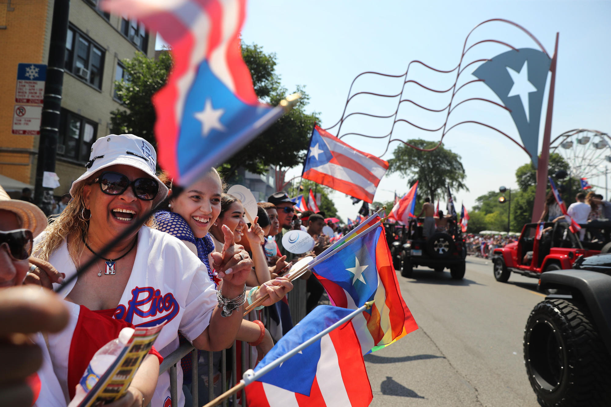 Scorching Temperatures Do Not Rain On Puerto Rican People