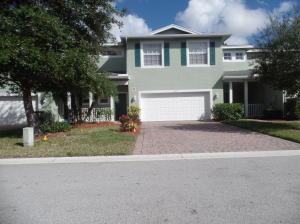 672 NE Bent Paddle Lane, Port Saint Lucie, FL 34983
