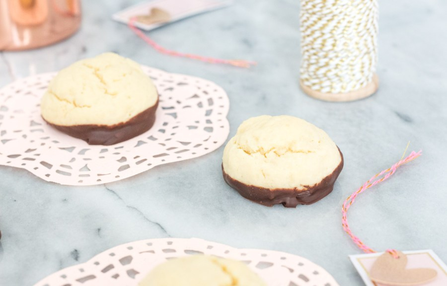 Chocolate-Dipped Cheesecake Cookies, dessert recipe, baking blog, Treats and Trends