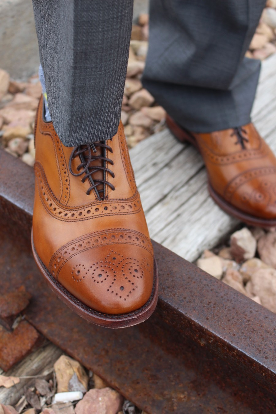 allen-edmonds-strands-walnut Wedding Guest Outfit Idea for Men, men's fashion, dressy wedding, Treats and Trends